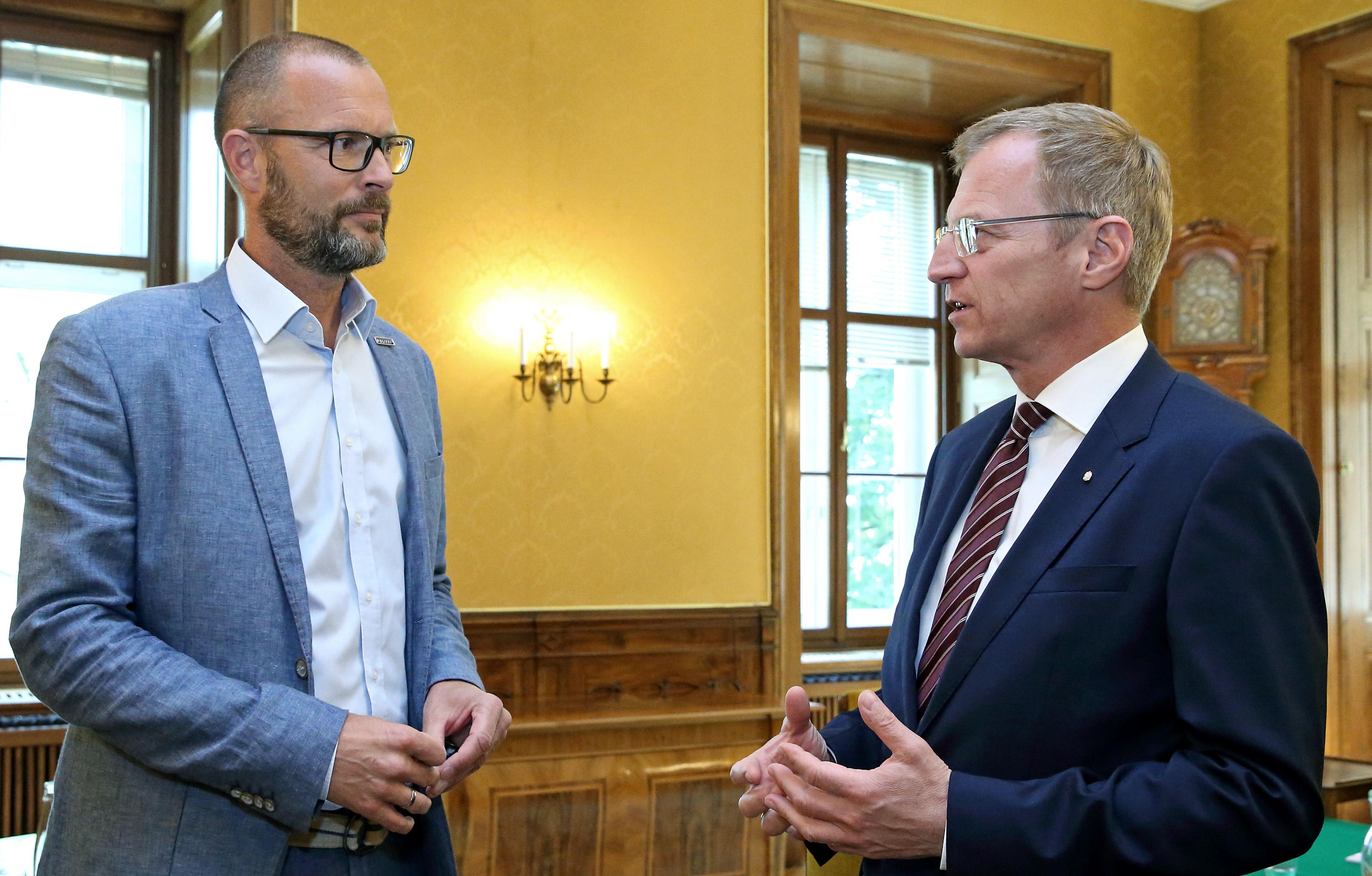 LH Stelzer erklärt steigende Kriminalität unter Asylwerbern zum zentralen Thema